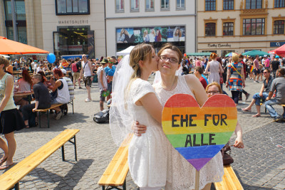 Fakten zum Thema Homo-Ehe - doublebeede